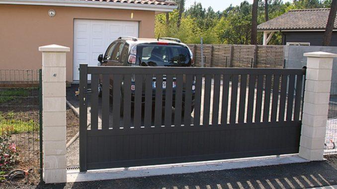 Serrures de Portail : Sécurisez votre parking privé